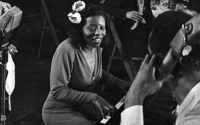 Mary Lou Williams, New York 1944 (detail) by Gjon Mili 800x500
